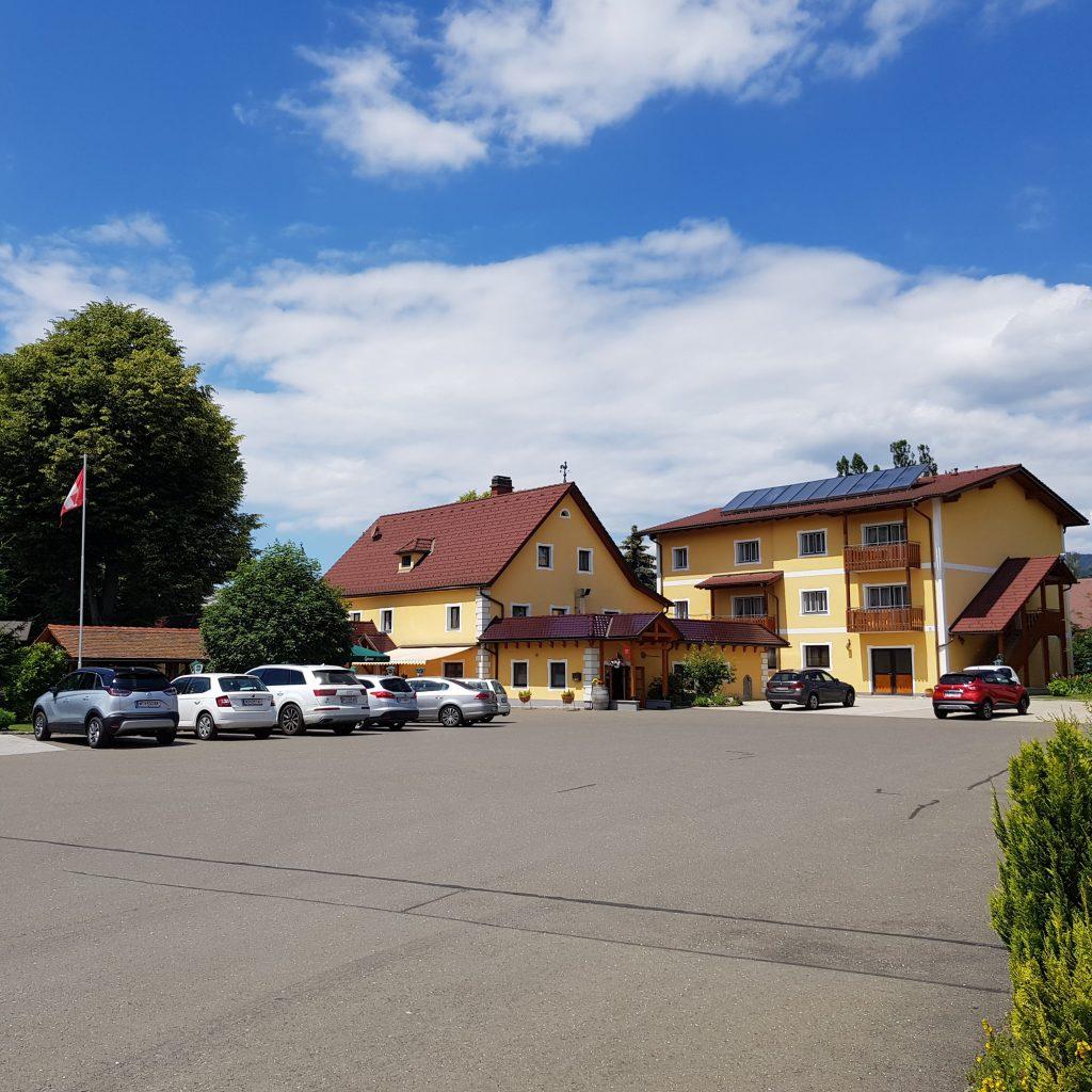 Schweizerhof Spielberg Gaststube