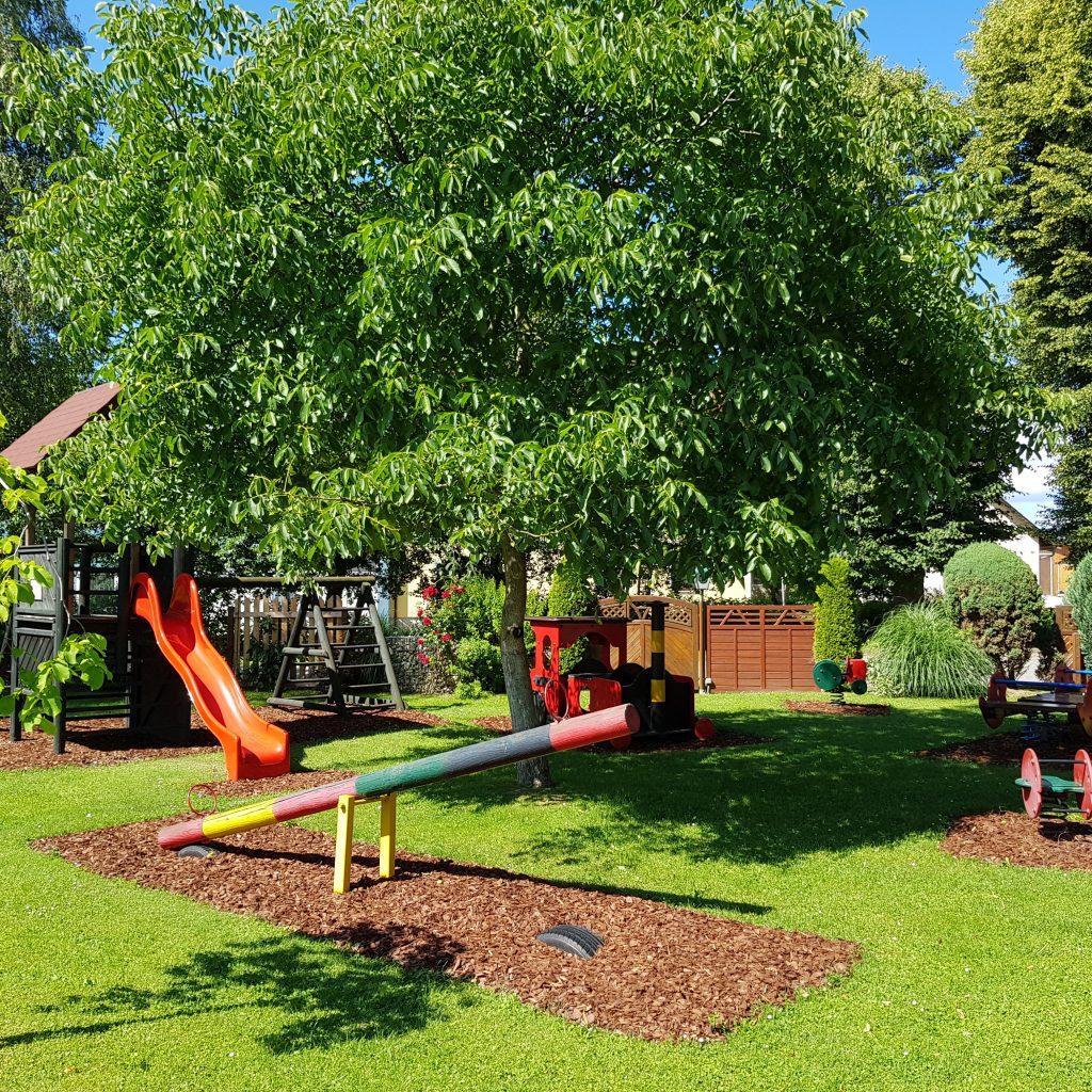 Schweizerhof Spielberg Kinderspielplatz